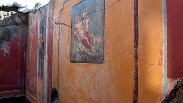 کشف دیوارنگاره نارسیس در پمپئی