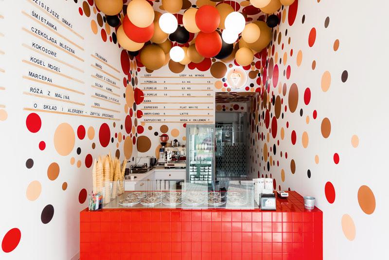 نگاهی بر طراحی داخلی فروشگاه بستنی فروشی در لهستان