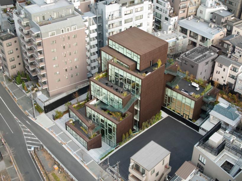 جعبه ها به مثابه مجتمع تجاری در توکیو