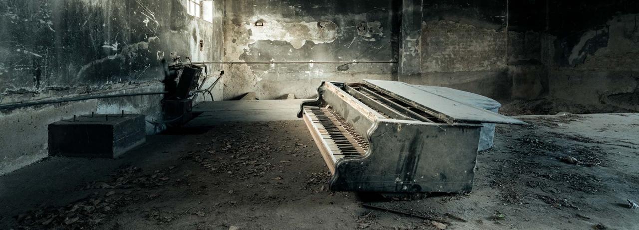 پیانوهای شکسته در ویلاهای فراموش شده اروپا