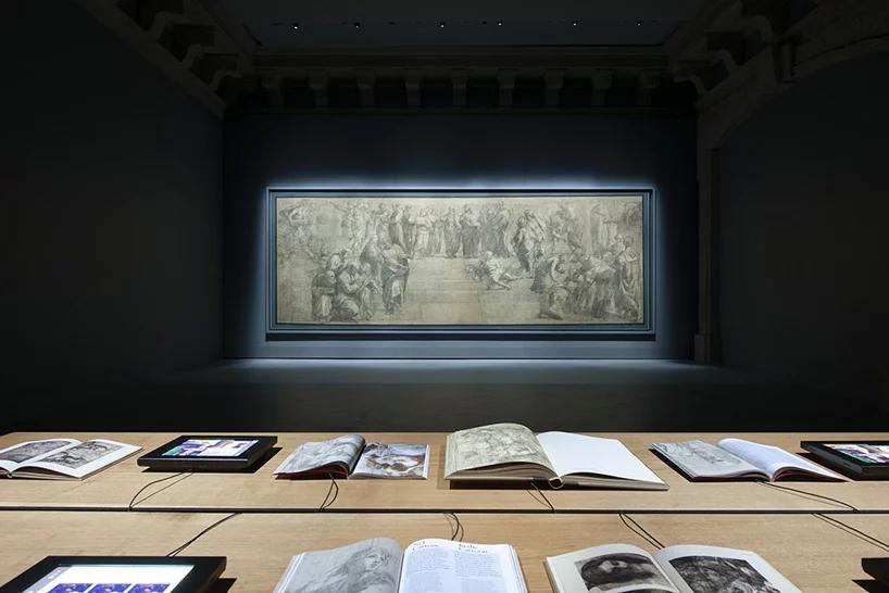 استفانو بوئری قالب جدید فضای نمایش نقاشی تالار رافائل در میلان را طراحی میکند