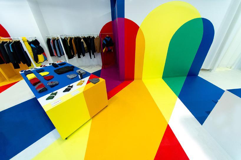 نگاهی به طراحی داخلی یک فروشگاه در پاریس